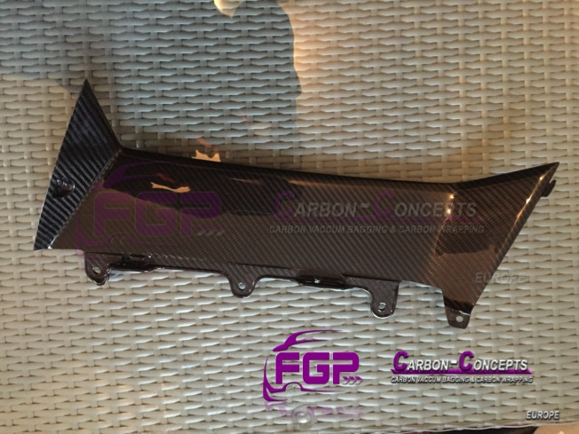 Real Carbon Rockerpanel side skirt vents set for Lamborghini Aventador LP700